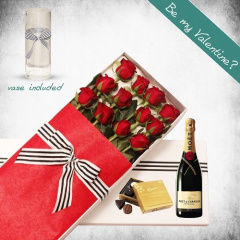 12 Long Roses and Moet Gift Box